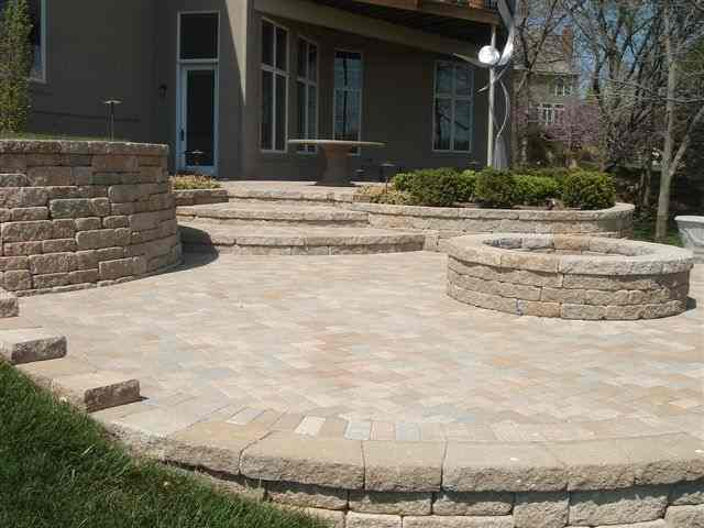 Versa Lok Weathered Mosaic Bethany Ledge 2.jpg