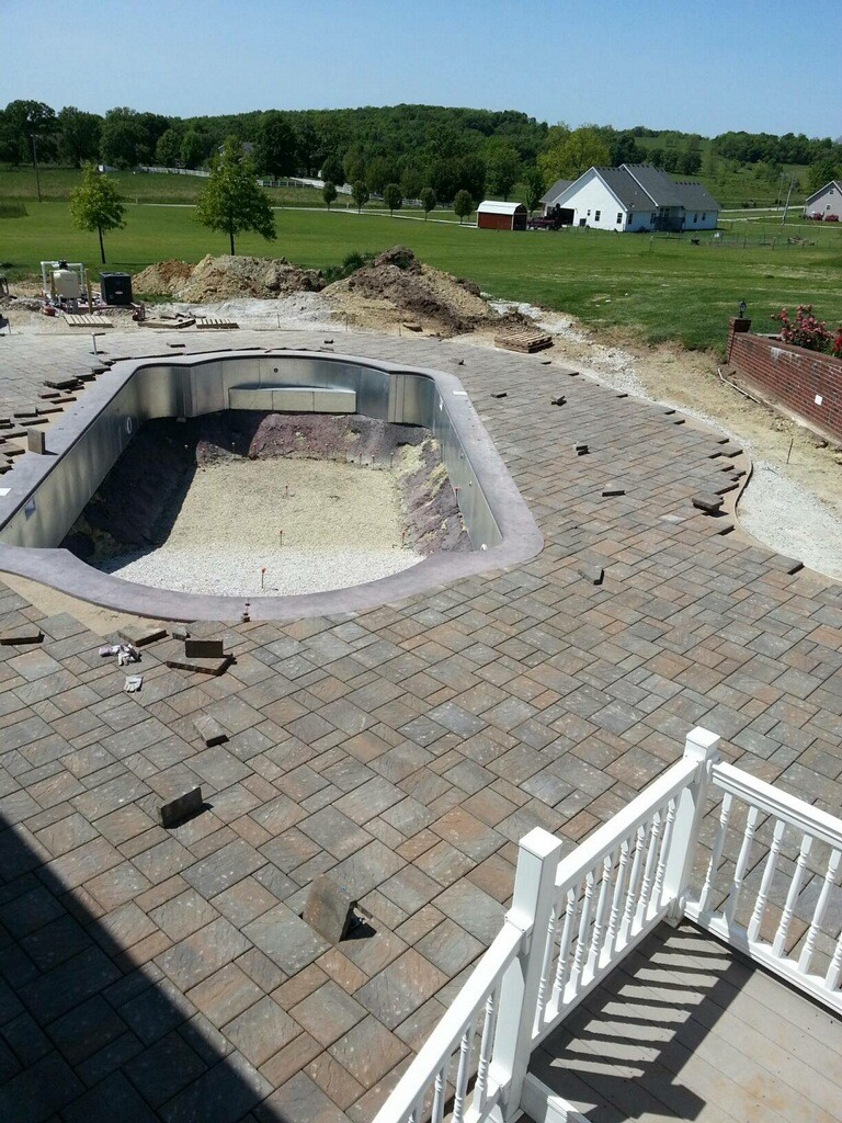 Chatham_pool-deck_TWB_timberwood-blend_romanstone-pavers.jpg