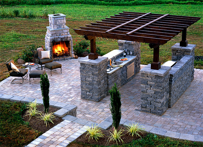 Outdoor_kitchen_pergola_fireplace.jpg