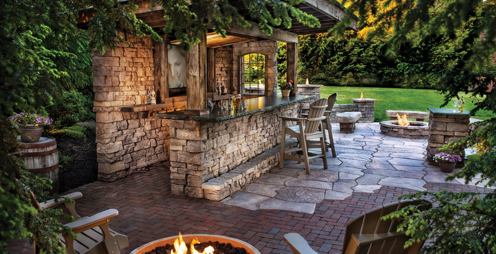 Rosetta_outdoor_living_landscape_hardscape_Cedar-Valley_Ozark-blend.jpg