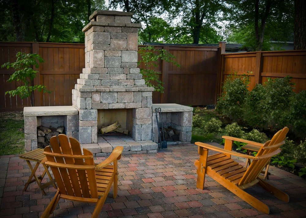 Romanstone_Fremont_Fireplace_Outdoor_Fire-pit.jpg