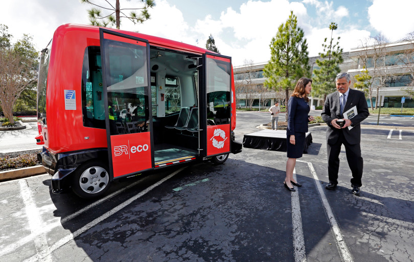 Driverless shuttle, Photo credit: Laura Oda, East Bay Times