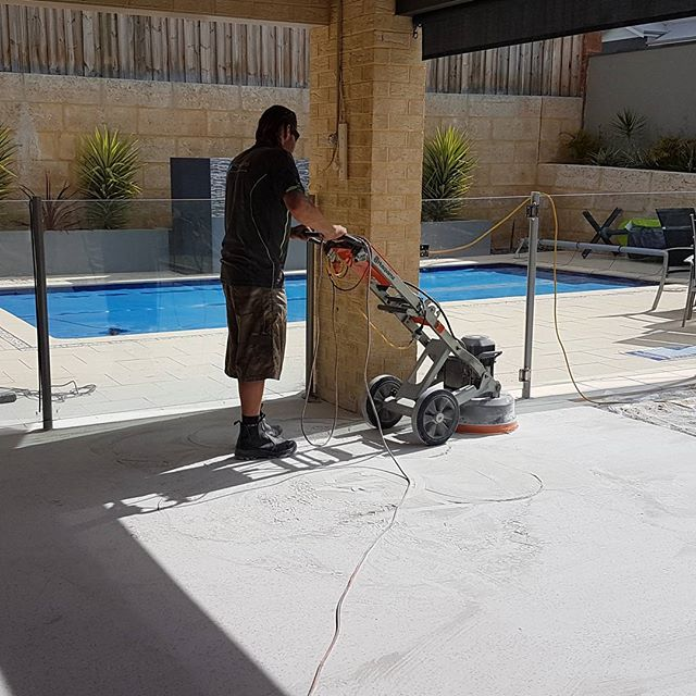 Back on the daily grind !  Alfresco honing today 😎  #honedaggregate #honedconcrete  #hardscapes #landscape #perthbuilders #perth #grind #husqvarna