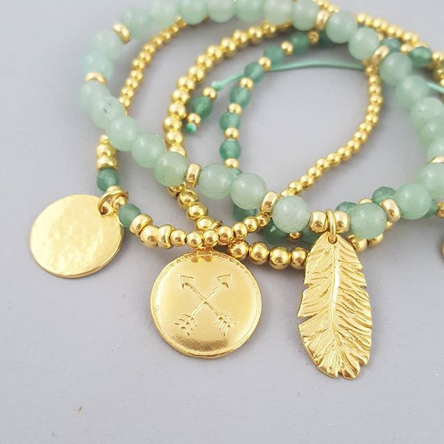 Gorgeous green and gold tones, perfectbfor summer (willing the sun to come back out) #EssentiaLLR #summerstyle #stackemup #talismans