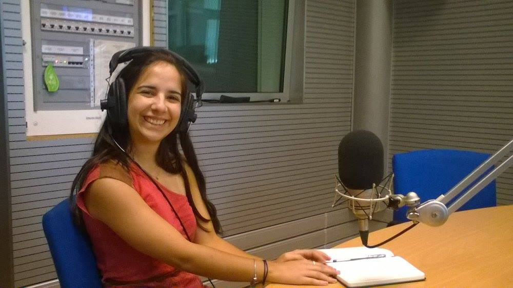 Flutist Catarina Rebelo Esteves, bright and early in the Antena 2 studio