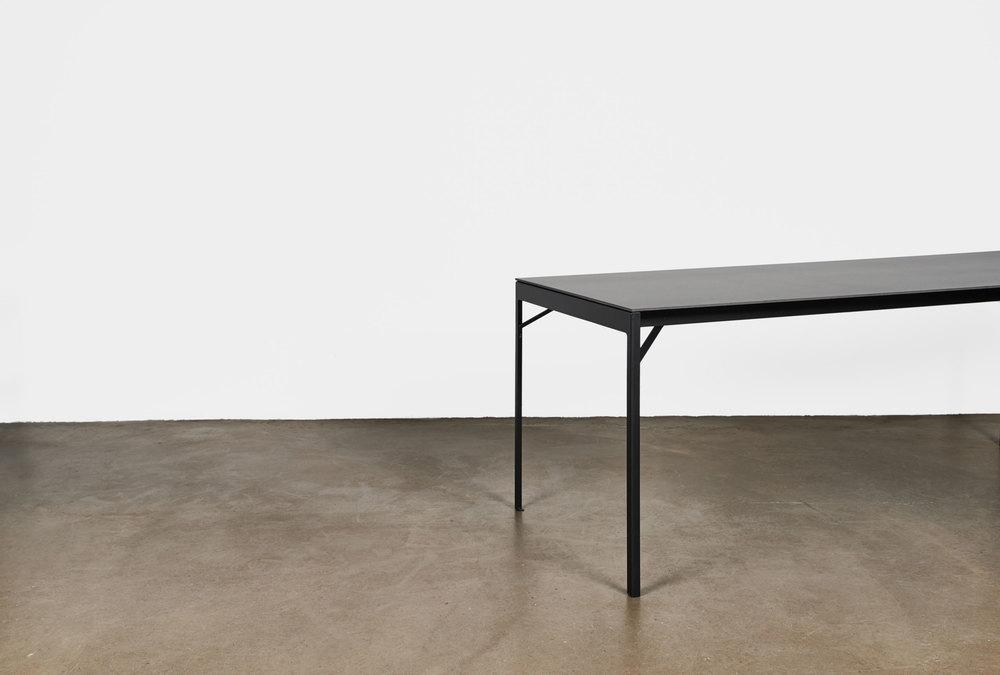 Tisch von Jonas Hansen