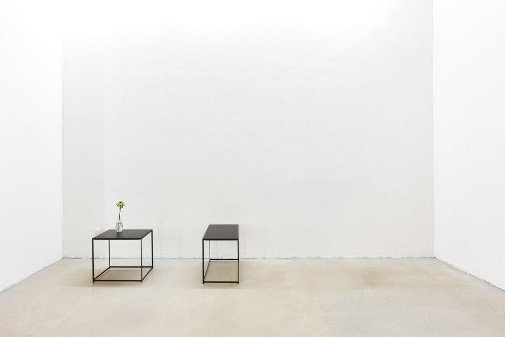 Couch- Nachttisch von Jonas Hansen