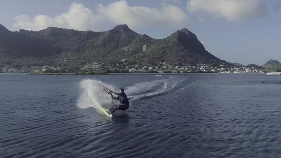 kitesurfing cruise grenadines frigate 2.jpg