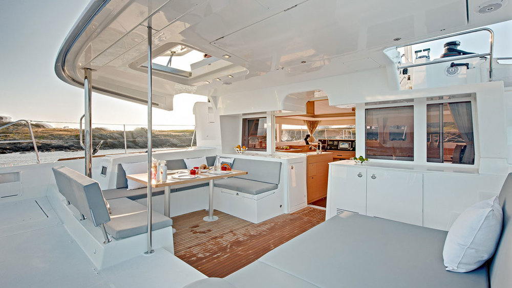 Lagoon-Catamaran-45-Deck.jpg