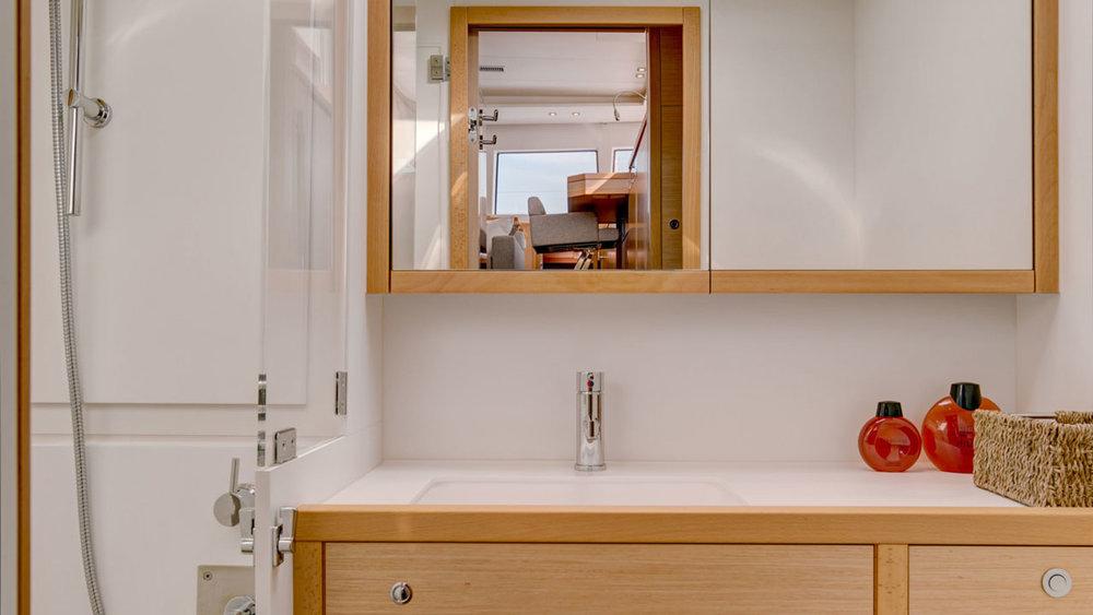 Lagoon-Catamaran-62-Bathroom.jpg