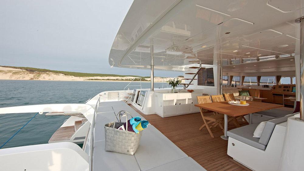 Lagoon-Catamaran-62-Deck.jpg