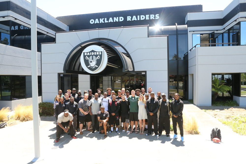 Annelie with the 2016 Oakland Raiders rookie class. Image via Annelie Schmittel
