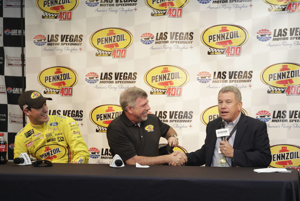 Shell vice president Rusty Barron and LVMS president Chris Powell announce Vegas's second NASCAR date. Image via reviewjournal.com