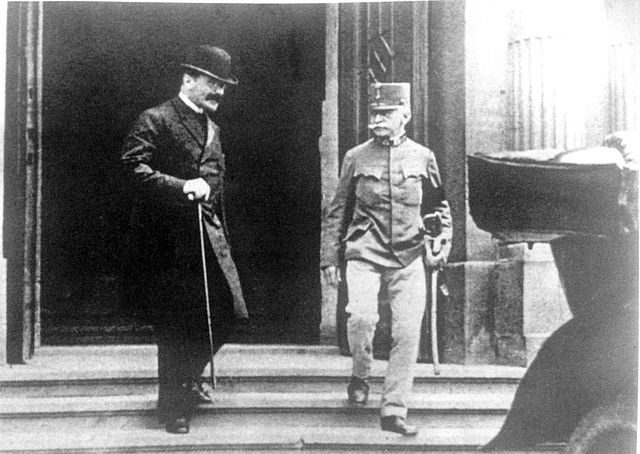 Hungarian Prime Minister and Chief of the General Staff of the Austro-Hungarian Army after debating what to do about Serbia. Wikimedia Commons