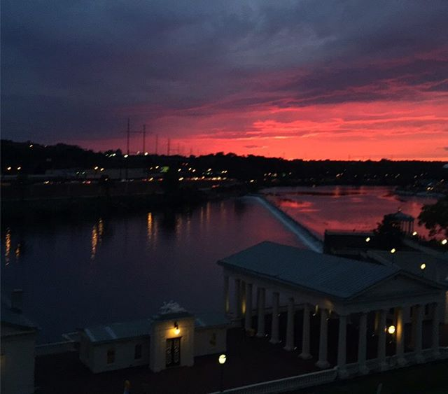 #tb to this spectacular sunset 🌇 view from the steps of the @philamuseum last summer!! Head over to the blog today to read about The Philadelphia Museum of Art's incredible Architect Julian Francis Abele! 👆 #linkinbio {📷: @mollsballs_69 }  #history #blackhistorymonth #philadephia #philly #phillyhistory #blackhistory #february #historyblogger #visitphilly #education #midwestbloggers #eastcoastblogger #minnesota #pennsylvania #linkinbio #blogger #travel #undergraduate #love #citylife #read