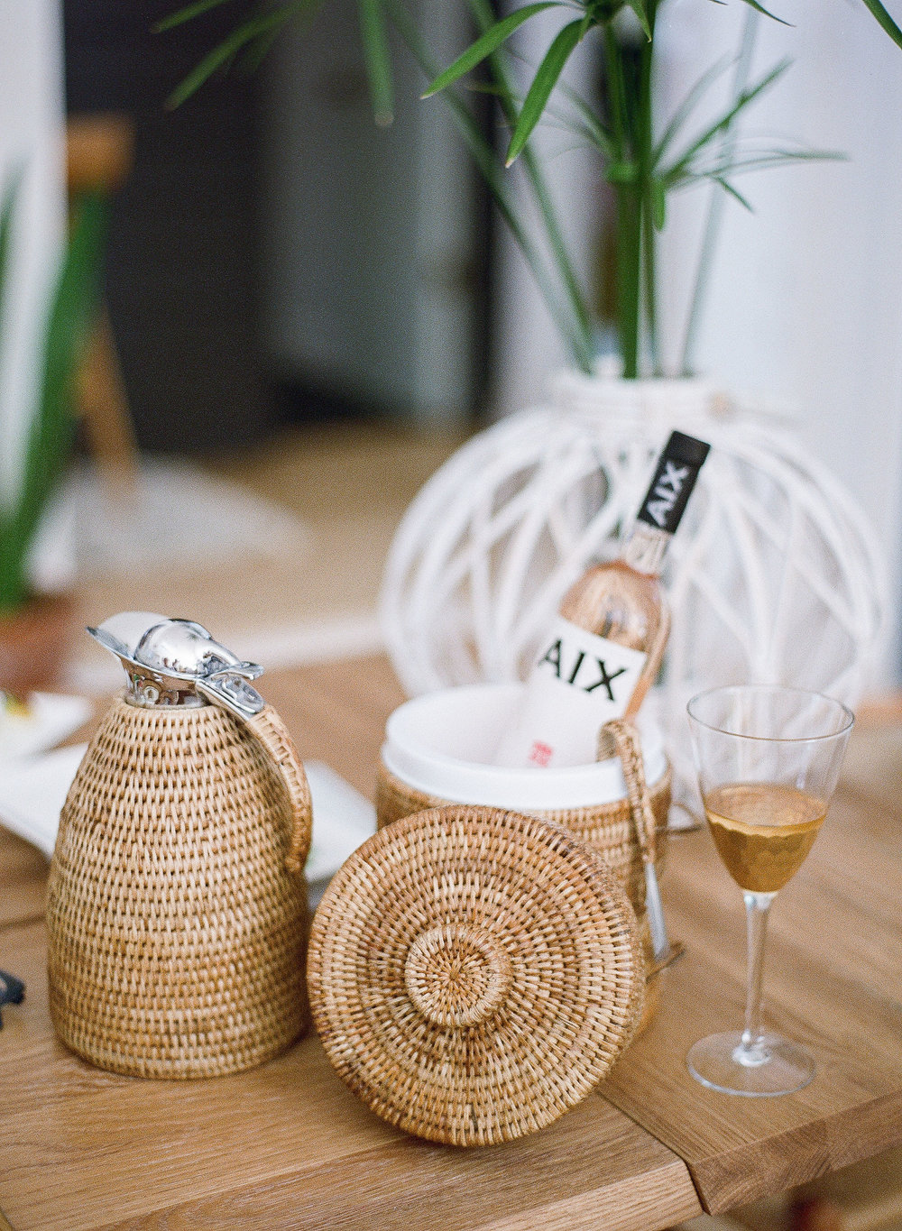 Rattan and wicker bar accessories for Palm Beach themed party