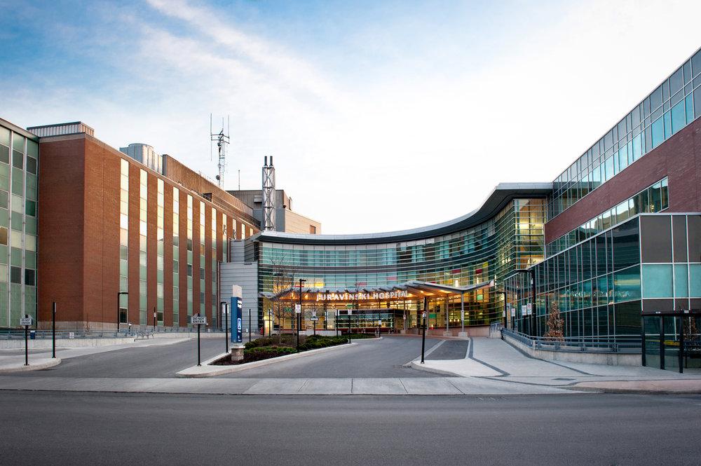 Marta-Hewson-industrial-photography-Juravinski-Hospital-Kitestring-Urban-Mechanical.jpg
