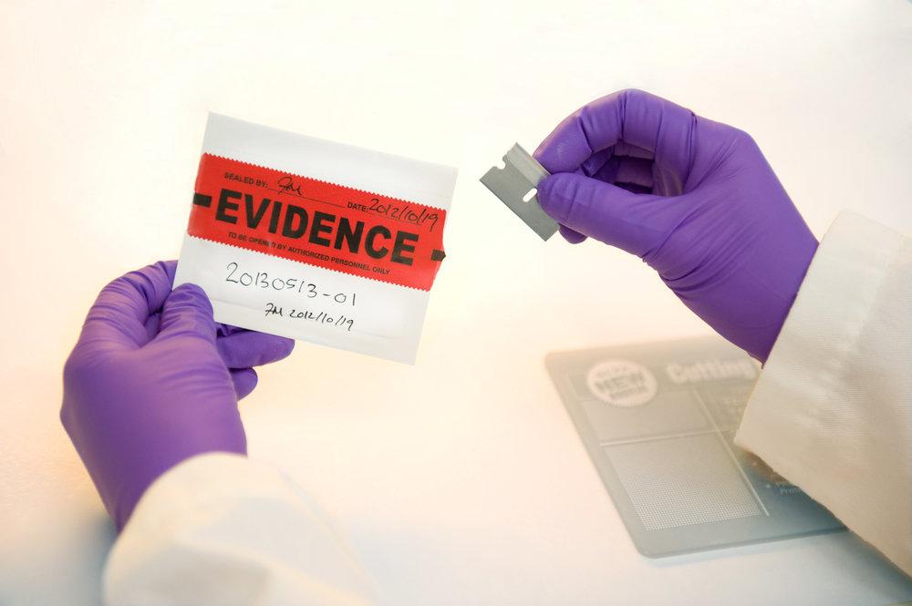 Marta-Hewson-Industrial-photogrpahy-medical-labratory-evidence-Maxxam.jpg