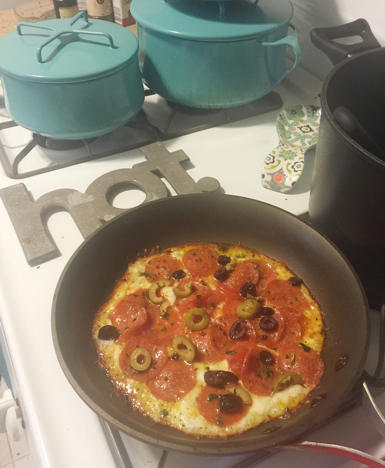 SWIRL KITCHEN: LOW CARB SKILLET PIZZA via Swirl Nation Blog