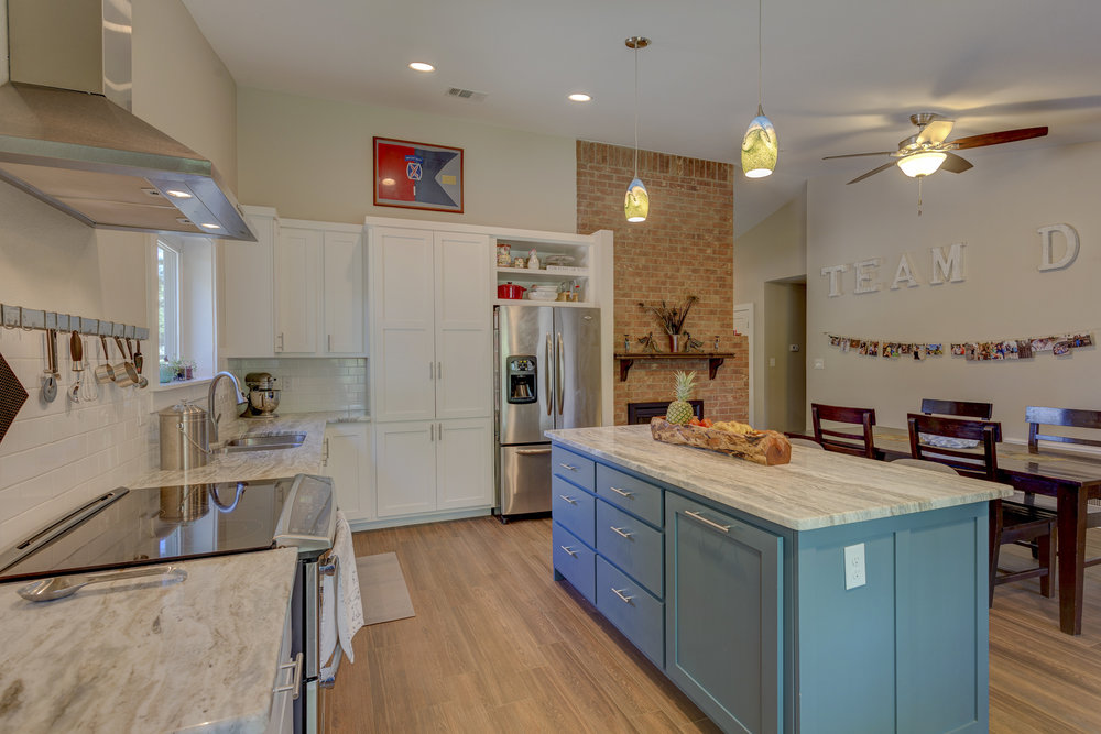 2b- kitchen RealEstate-11*.jpg