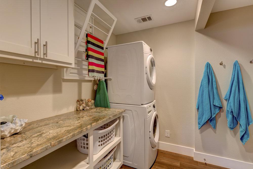 6b- laundry RealEstate-31*.jpg