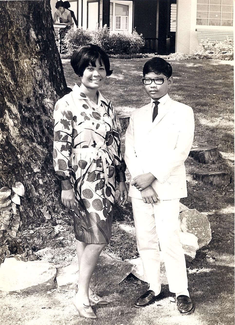 somtowmother1965.jpg