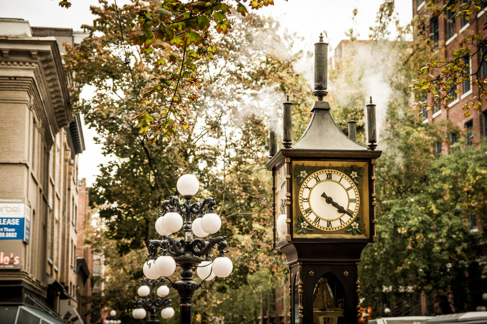 Steam Clock, I wasn't the only one wanting a photo-op with Gastown's most famous landmark. So I had to get creative and crop out the sea of people posing in front of this old steamer.