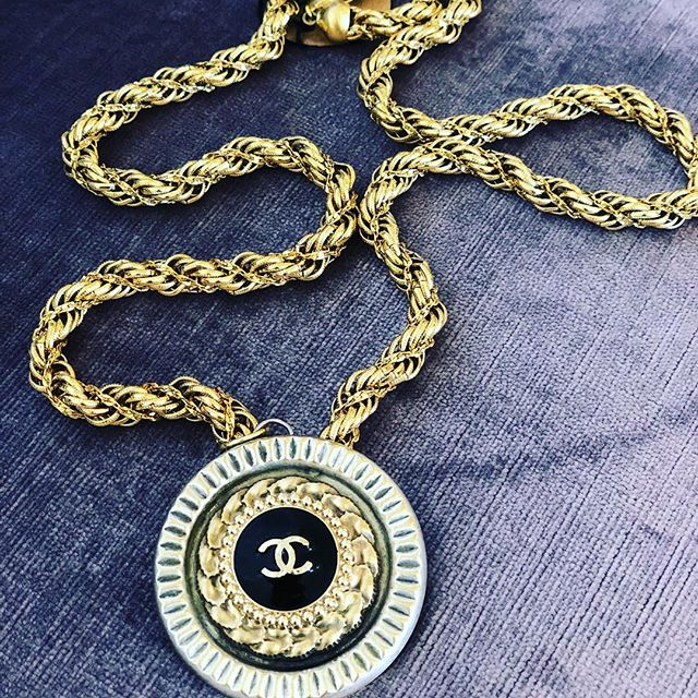Gorgeous vintage chanel button necklace is a real show stopper. One left!! Layer it or wear it alone either way it's beautiful 😍 #Chanel #chanelvintage