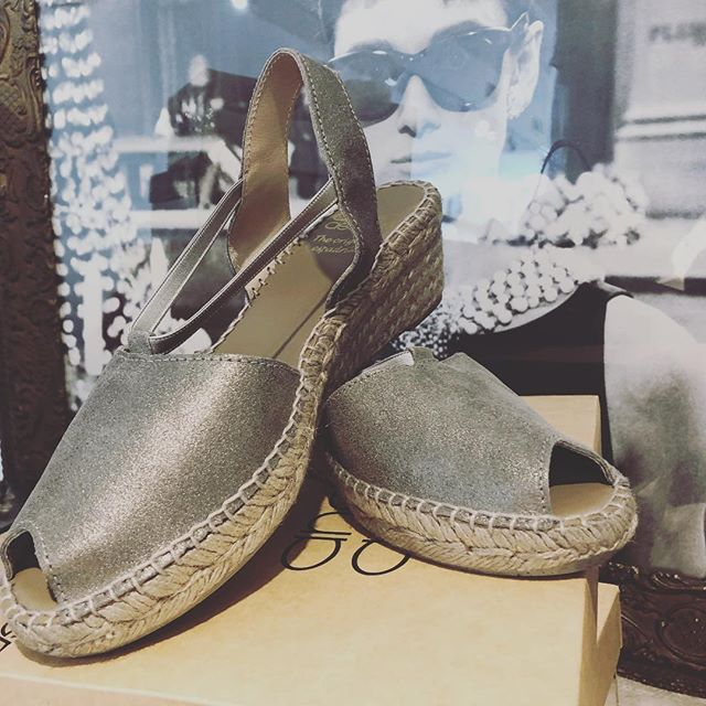 NEW Andrea Assous. It's our go anywhere shoe, the perfect neutral, comfy, stylish & cute!!