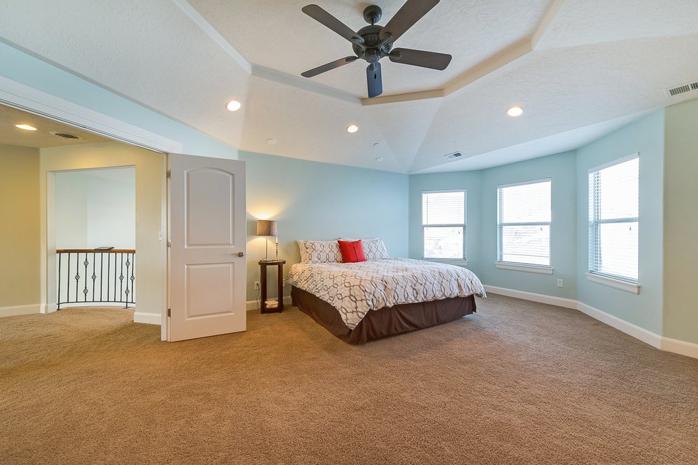 1858_e_seven_oaks_ln_MLS_HID1094324_ROOMmasterbedroom.jpg
