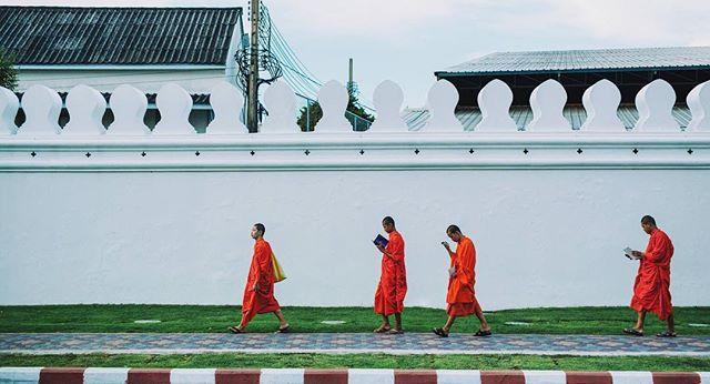 Strangers in lockstep . . . . . . . . . . . #thailand #vscocam #vsco #agameoftones #moodygrams #artofvisuals #bangkok #photooftheday #instadaily #photographylife