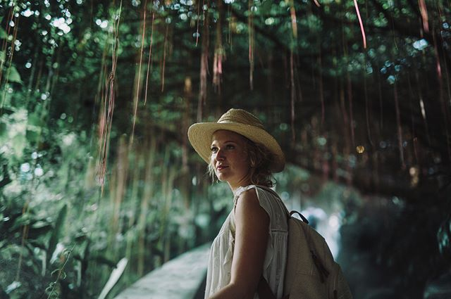 Journey to the golden mount. . . . . . . . . . . . . #vscocam #vsco #explorer #bangkok #thailand #explorethailand #agameoftones #moodygrams #artofvisuals #instadaily #photooftheday #jungle #portrait #goldenmount