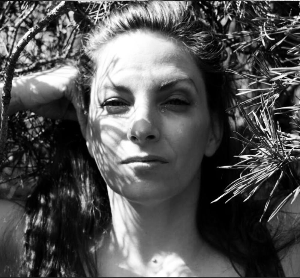 NAME :Julie Dujardin LOCATION : BC, Canada SERVICES :∆ Reiki ∆ Healing oils ∆ Deep Tissue Massage ∆ Cannabis Topicals ∆ Reflexology ∆ Ear Candling ∆ Healing Oils ∆ Couples Massage ∆ Angel Readings ∆ Guided Meditation.
