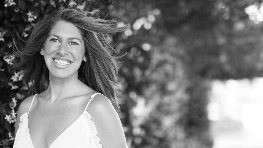 NAME : Fern Olivia Langam LOCATION : Venice Beach, California SERVICES : ∆ Thyroid Yoga ∆ Meditation ∆ Breath-work & Energy Work ∆ Nutrition ∆ Lifestyle Coaching