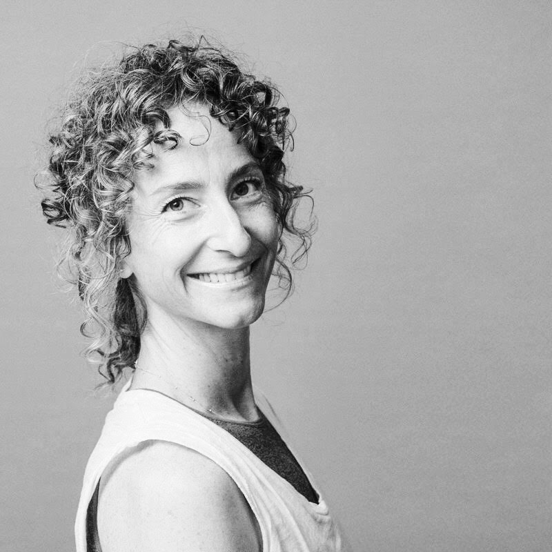 NAME :Alicia Thomsen LOCATION :Copenhagen,Denmark SERVICES :∆ Public yoga classes, workshops and retreats ∆ 1:1 yoga sessions ∆ Deep tissue massage ∆ Chiropractic ∆ Yoga therapy ∆ Energy healing