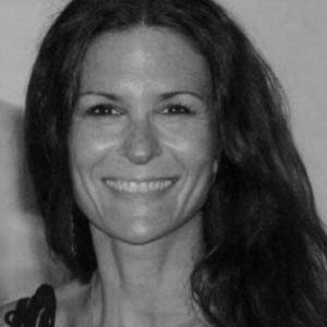 NAME : :Loni Duek LOCATION : Hollywood, Florida SERVICES :∆ Reiki sessions ∆ Reiki certifications ∆ Distant healing sessions ∆ Meditation sessions ∆ Sound healing ∆ Yoga classes ∆ Art therapy