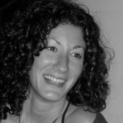 NAME  : Suzy Daren  LOCATION  : Brooklyn, New York  SERVICES  : Yoga Psychotherapy
