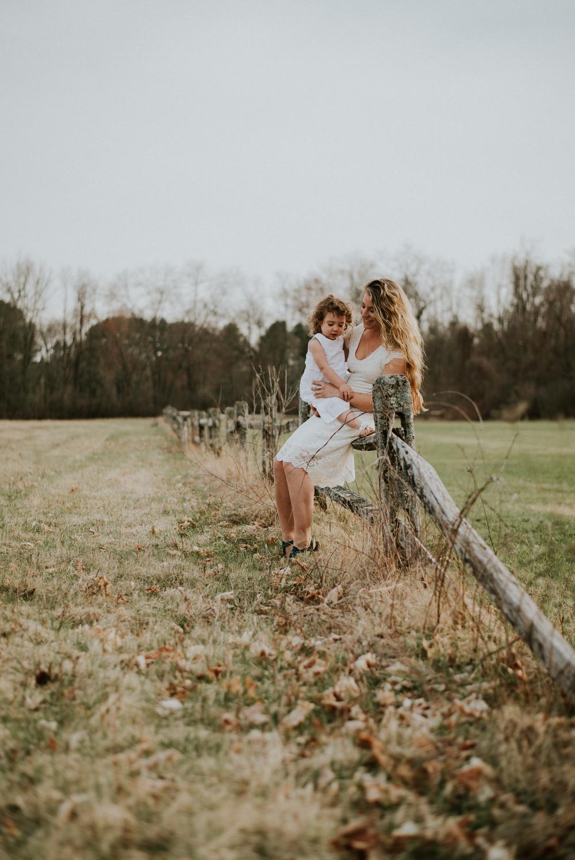 Megan Fuss Photography Creative Session Em & Aunts Family 00001.jpg