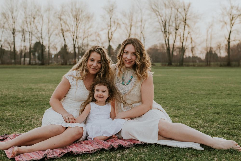 Megan Fuss Photography Creative Session Em & Aunts Family 00009.jpg