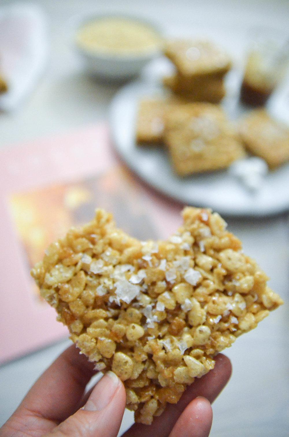 Sea Salt Caramel Rice Krispies Treats The Midnight Kitchen Kripiss Medan Karamel Krispie 17