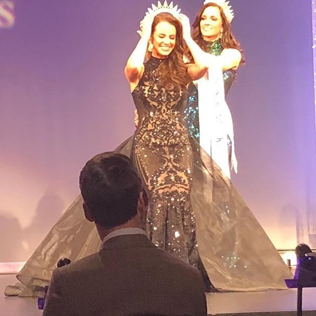 #Repost @anissalneubauer with @get_repost ・・・ Juan Carlos Pinera's black magic gown  takes another crown tonight! Congratulations Sloan Reid on winning Mrs. Kentucky United States.  #juancarlos  @juancarlospinera