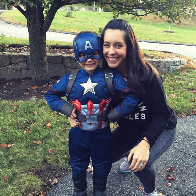 Happy Halloween from my Captain America! Philip was SO excited for his party and parade at Pre-K today 🇺🇸😍💙.