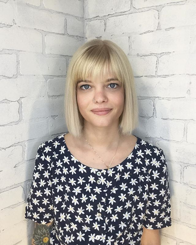 By @amberoakleyhair using @davinesnorthamerica @davinescolor . . . . . #marinhairco#chicago#logansquare#wickerpark#bucktown#avondale#humboldtpark#chicagosalon#bob#bangs#fringe#blonde#balayage#highlights