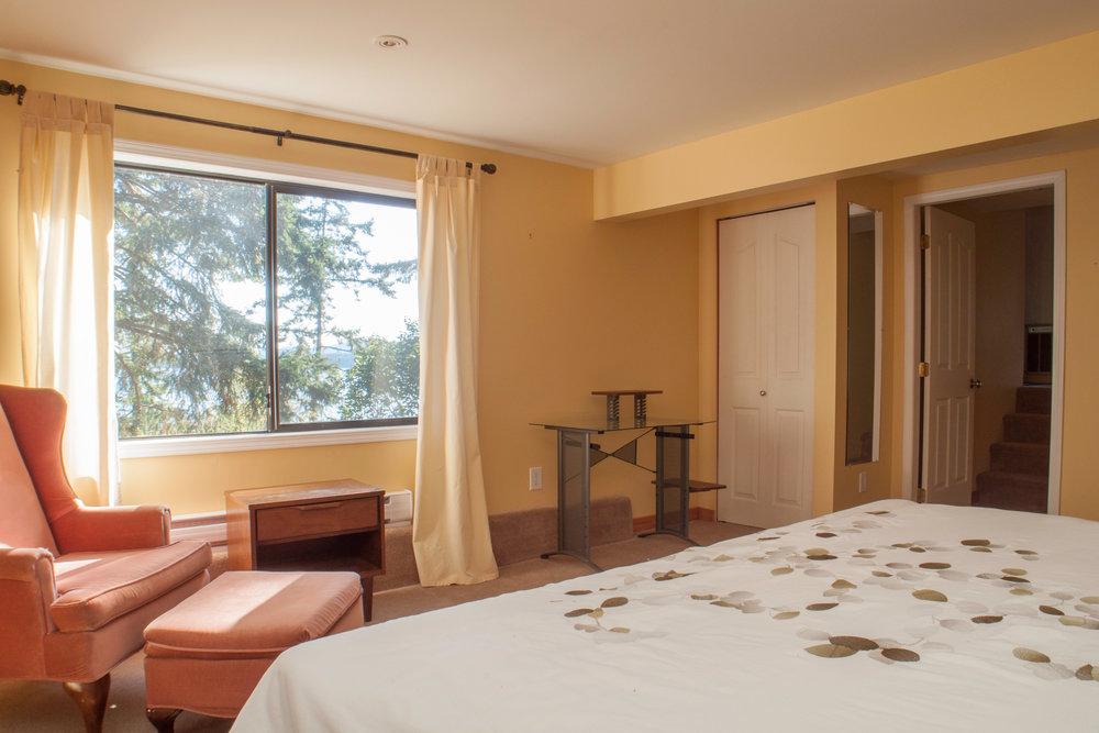 Lower guest room 3.jpg