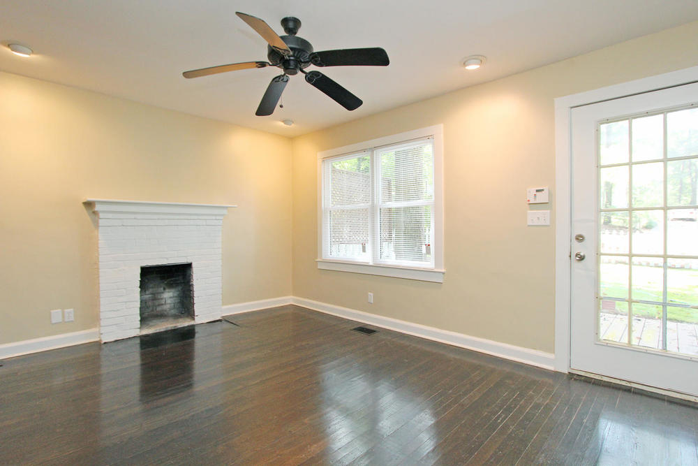 890 Custer Avenue SE Atlanta-large-006-Family Room-1500x1000-72dpi