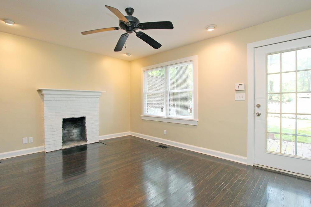 890 Custer Avenue SE Atlanta-large-006-Family Room-1500x1000-72dpi