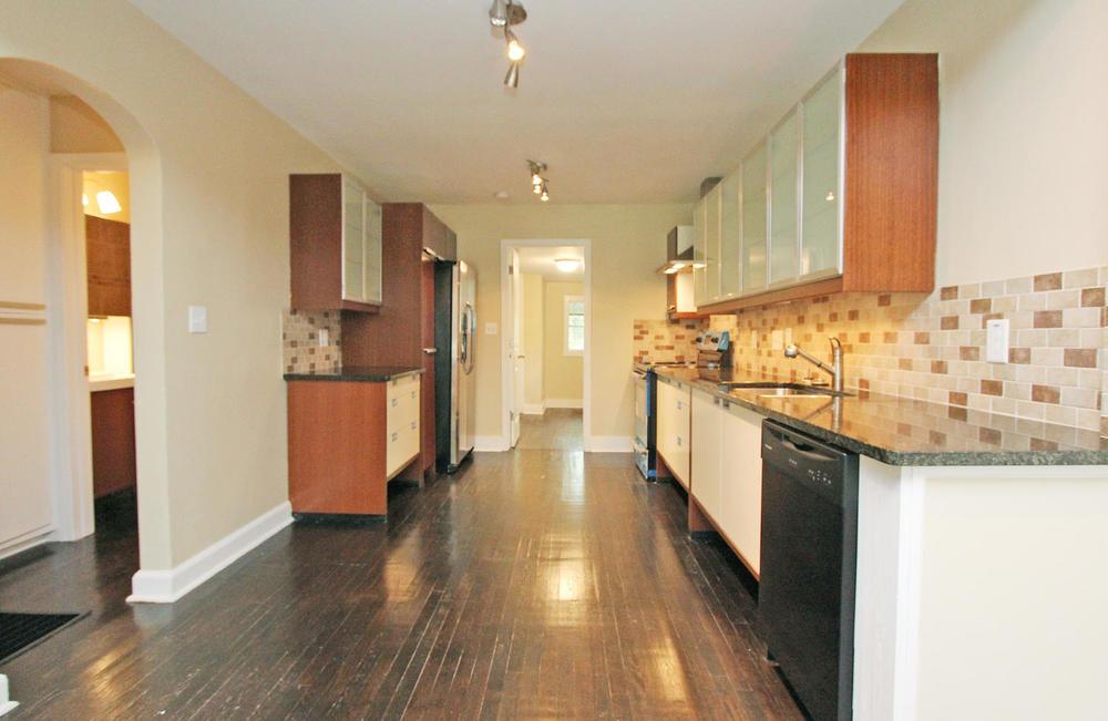 890 Custer Avenue SE Atlanta-large-008-Kitchen-1500x977-72dpi