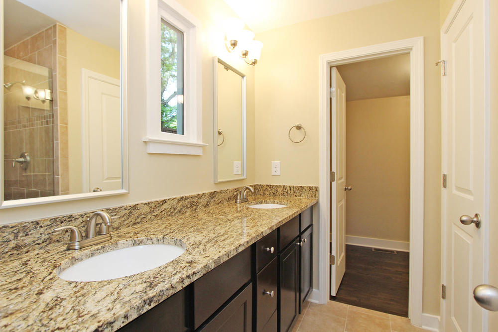 890 Custer Avenue SE Atlanta-large-016-Master Bath-1500x1000-72dpi