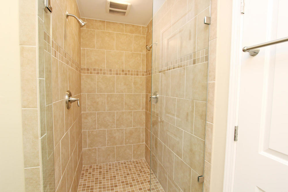 890 Custer Avenue SE Atlanta-large-017-Master Bath-1500x1000-72dpi
