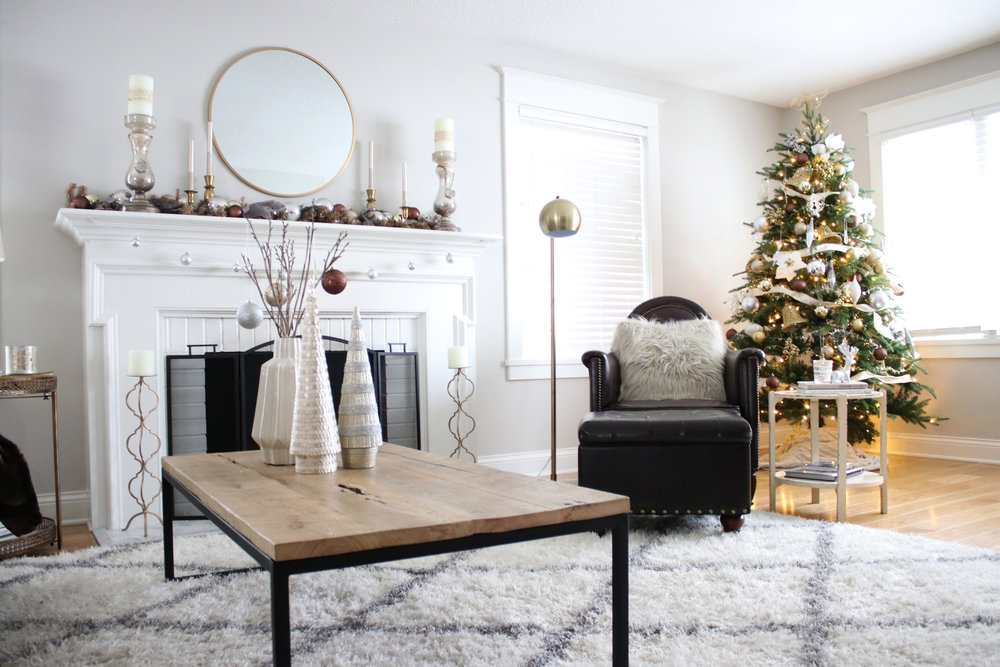 Vintage Christams Living Room.jpg